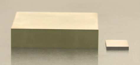 Customized piezo plate thickness