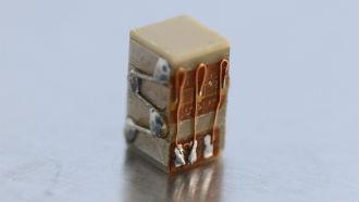 Strain gauge for piezoelectric actuators